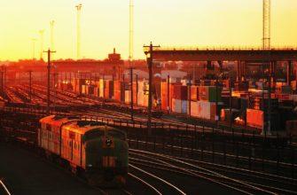 Кем обеспечивается погрузка грузов, и проверка на исправность вагонов?
